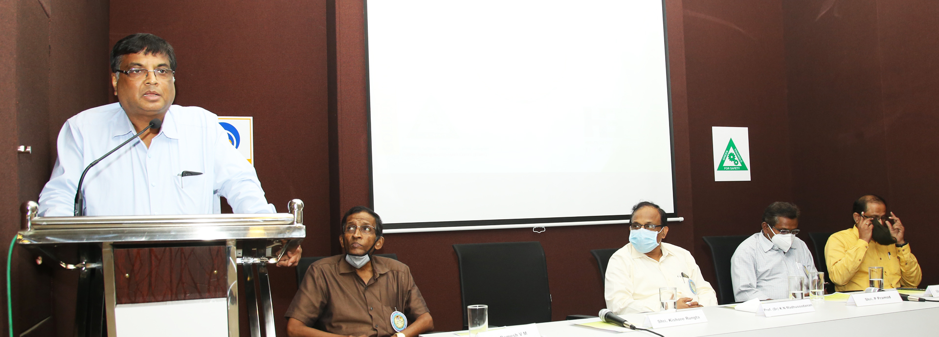 Address by Chief Guest : Shri. Kishore Rungta